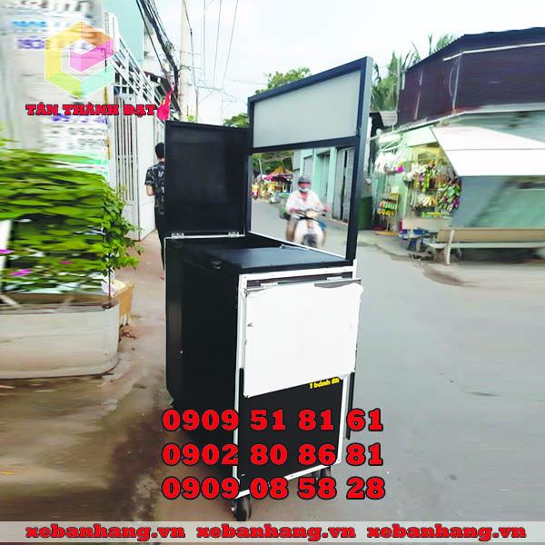 xe ban banh bach tuoc takoyaki